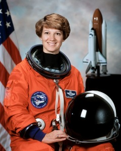 Commander_Eileen_Collins_-_GPN-2000-001177